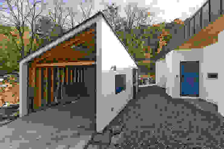 Rumah oleh 적정건축, Modern