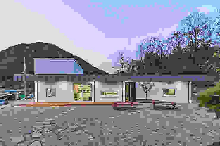 청양 농가주택 프로젝트 모던스타일 주택 by 적정건축 모던