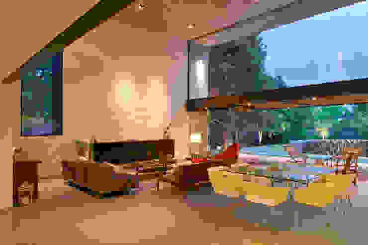 JACARANDAS HOUSE Modern living room by Hernandez Silva Arquitectos Modern