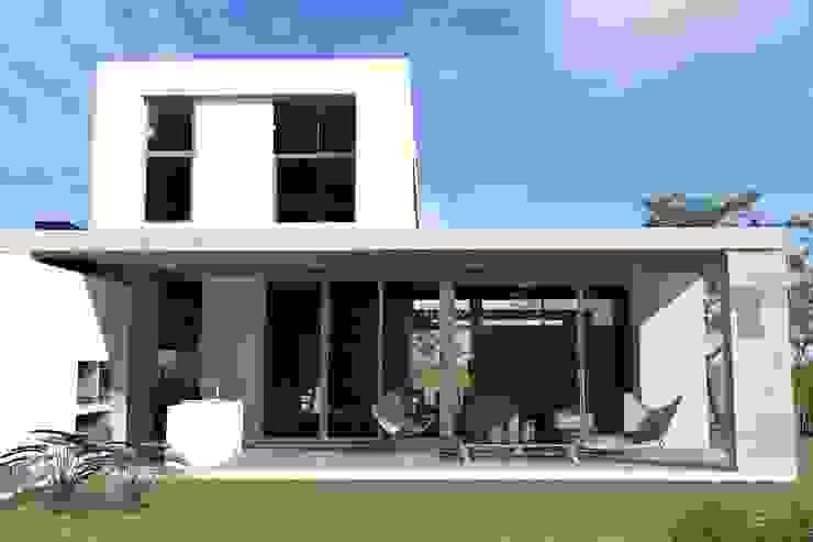 Дома в стиле модерн от Arquitectura Bur Zurita Модерн