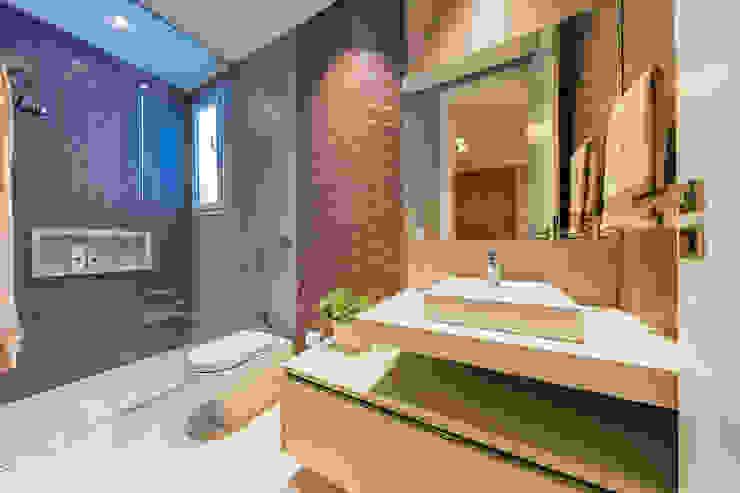 TRÍADE ARQUITETURA Modern Bathroom Ceramic Purple/Violet