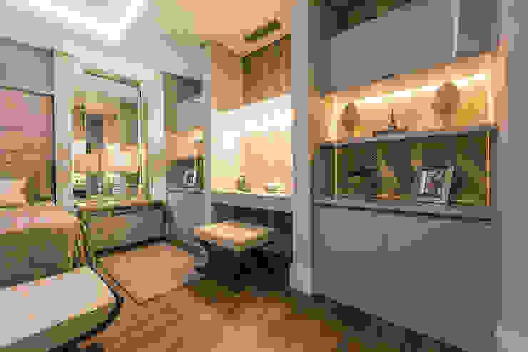 TRÍADE ARQUITETURA Classic style bedroom Copper/Bronze/Brass Beige