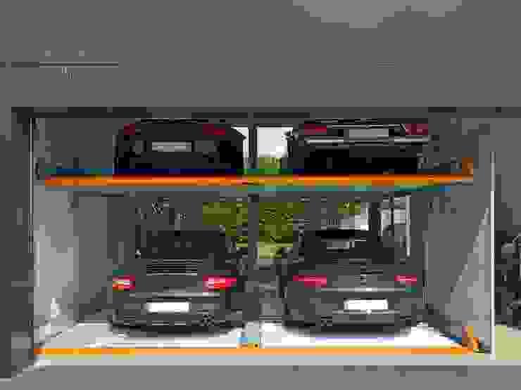 MultiBase 2072 Jüchen, Alemania Garajes de estilo moderno de KLAUS MULTIPARKING COLOMBIA Moderno