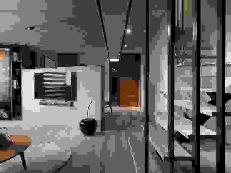 在休閒風設計中傾聽生活、感受溫度 现代客厅設計點子、靈感 & 圖片 根據 星葉室內裝修有限公司 現代風