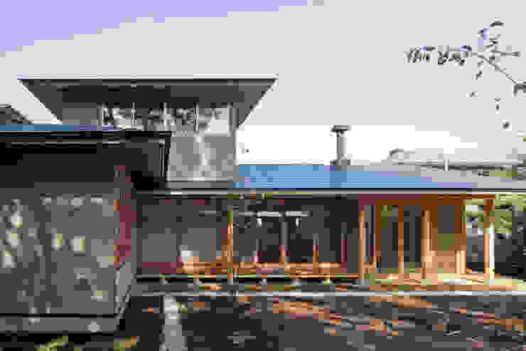 par 小町建築設計事務所 Classique Bois Effet bois