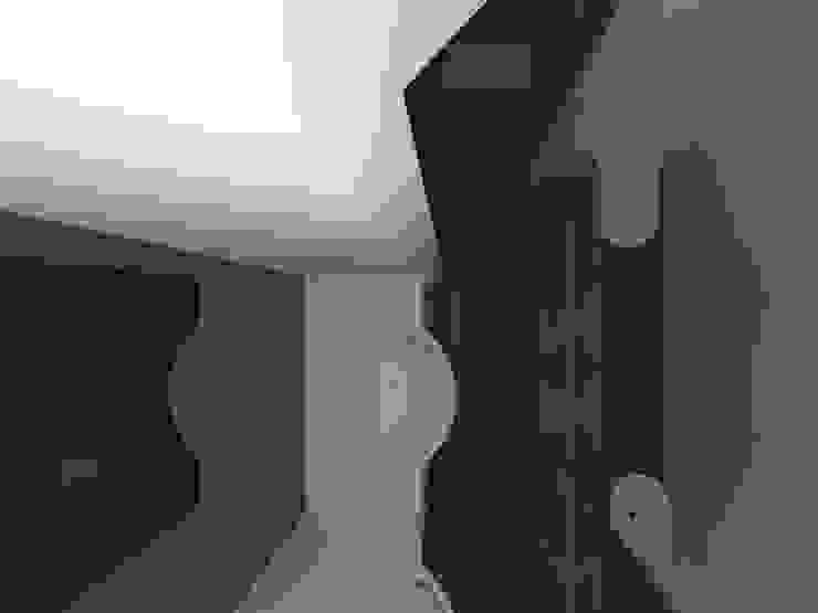 Modern Bathroom by francesco crotti Modern Limestone