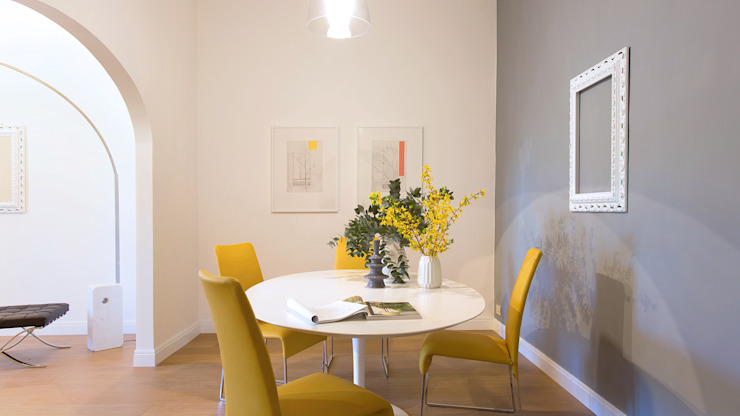 Modern dining room by Chiara Claudi - Firenze Home Interiors & Restyling d'Interni Modern
