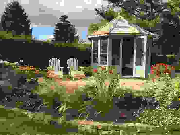 The Wraysbury Classic style garden by Chelsea Summerhouses Ltd Classic