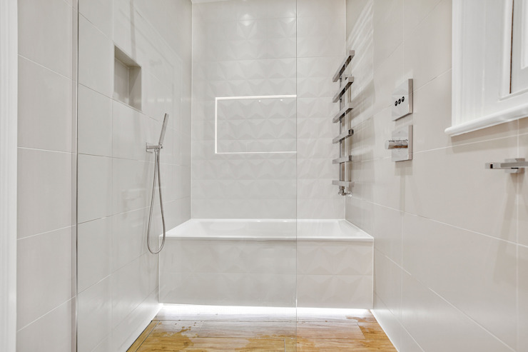 Case Study: Richmond, Surrey Moderne Badezimmer von BathroomsByDesign Retail Ltd Modern
