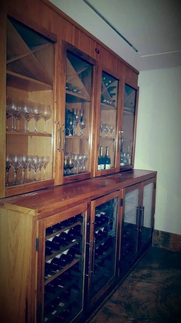 EDR - Adegas Climatizadas Eclectic style wine cellar Solid Wood Wood effect