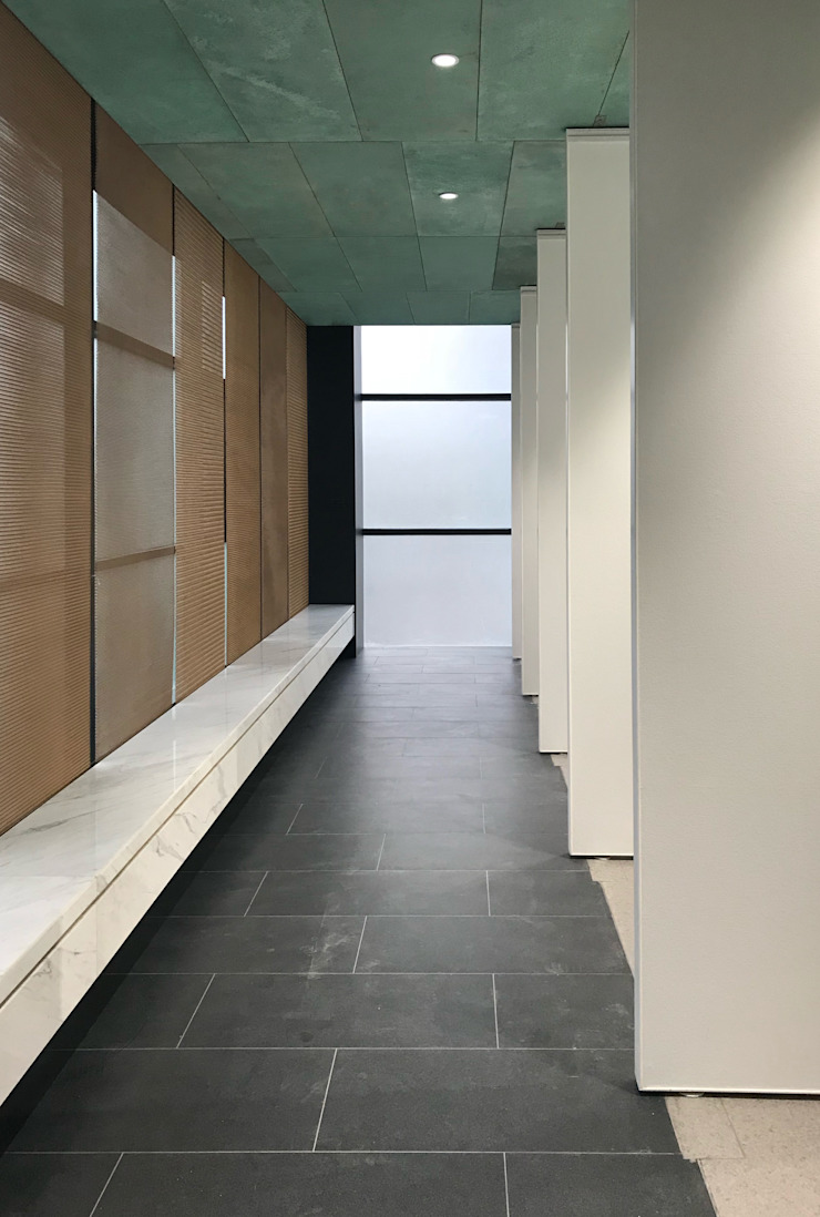 Gallery Hallway by Nomad Office Architects 覓 見 建 築 設 計 工 作 室 Modern Copper/Bronze/Brass