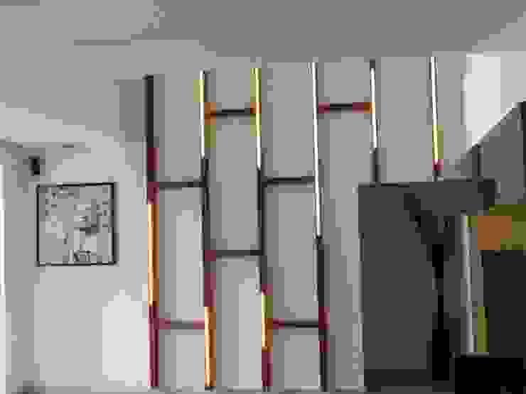 Interior Modern walls & floors by Inspire Interiors & Archcons India Pvt Ltd Modern