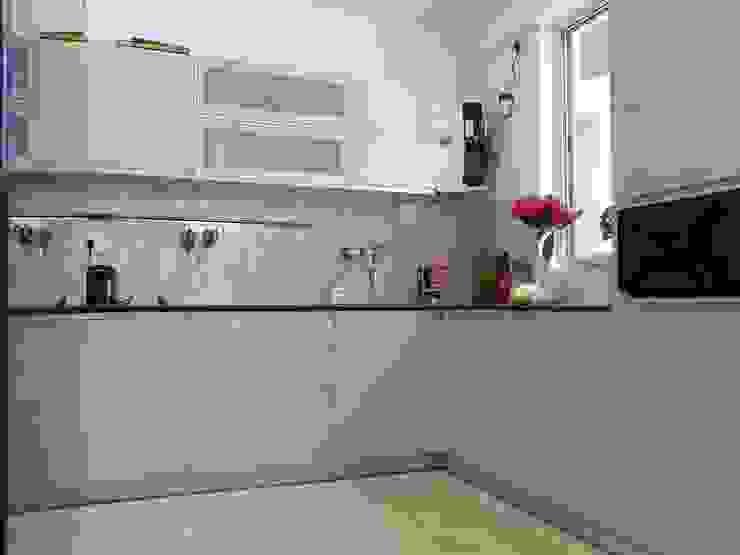 Interior Modern kitchen by Inspire Interiors & Archcons India Pvt Ltd Modern