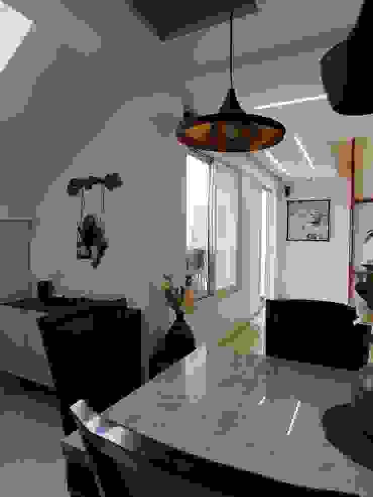 Interior Modern dining room by Inspire Interiors & Archcons India Pvt Ltd Modern