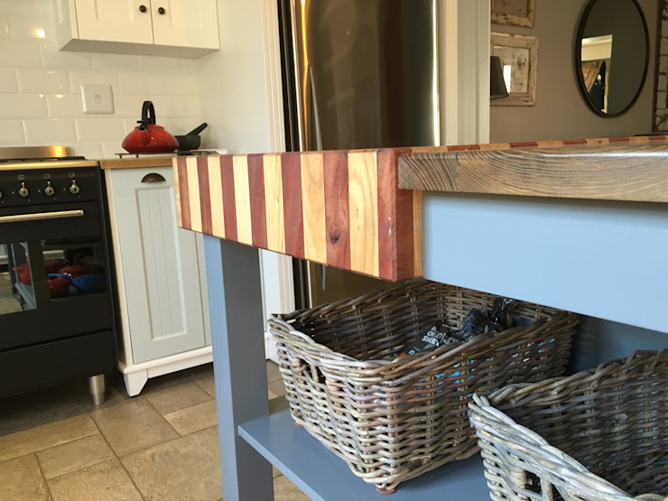 Butcher block details: country  by Nick and Nelly Kitchens, Country