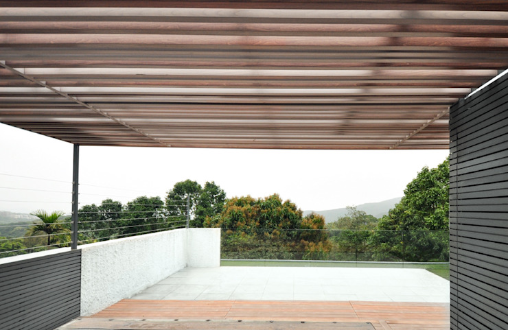 Roof deck Modern Terrace by Nomad Office Architects 覓 見 建 築 設 計 工 作 室 Modern Wood Wood effect