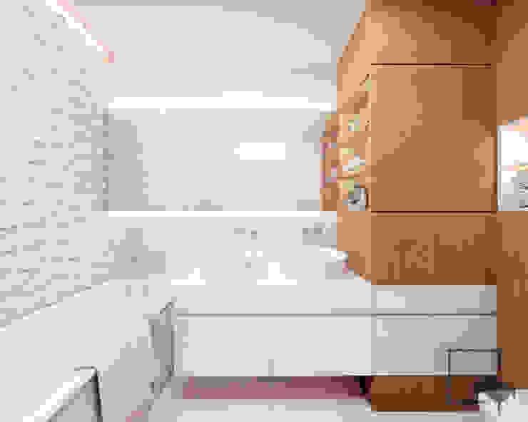 4 kąty a stół 5 Pracownia Projektowa Ewelina Białobrzewska 現代浴室設計點子、靈感&圖片 White