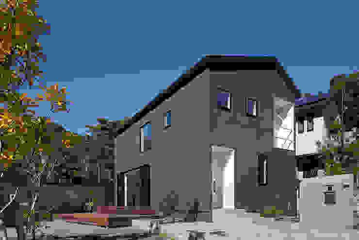 鎌倉 長谷の家 松岡淳建築設計事務所 モダンな 家 黒色