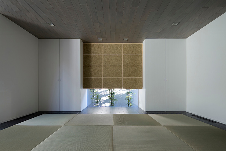 Modern style media rooms by 松岡淳建築設計事務所 Modern Solid Wood Multicolored