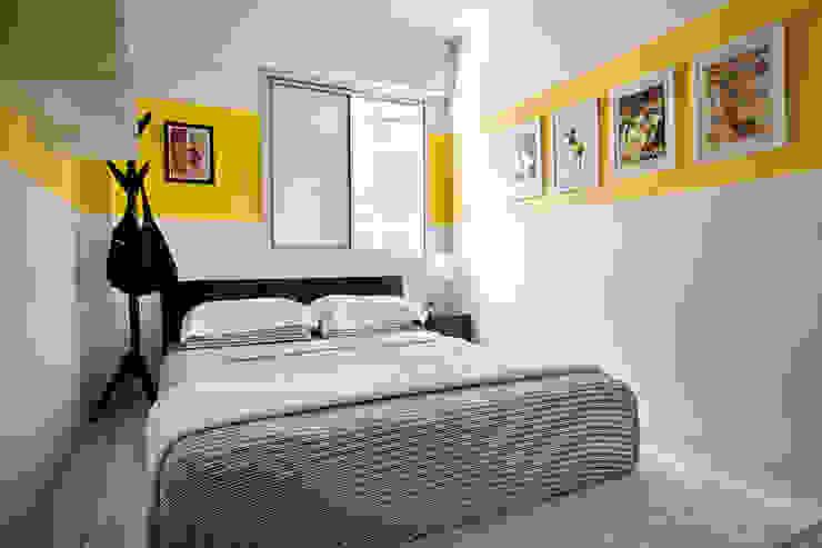 INTERIOR - DECORAÇÃO EMOCIONAL Modern style bedroom Yellow