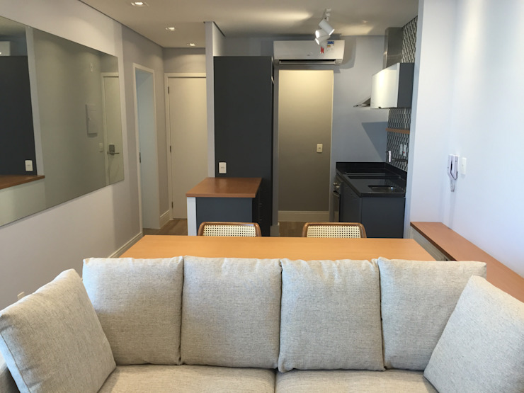 Ruang Keluarga Modern Oleh ICONO Projetos e Interiores Modern