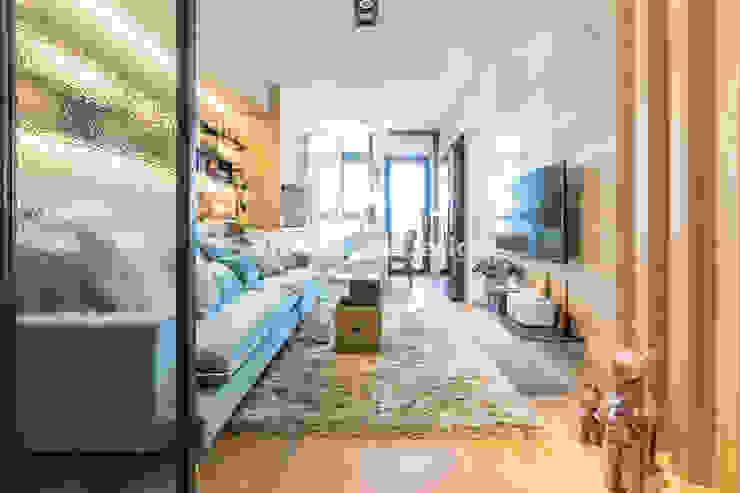 士林黃公館 现代客厅設計點子、靈感 & 圖片 根據 VH INTERIOR DESIGN 現代風