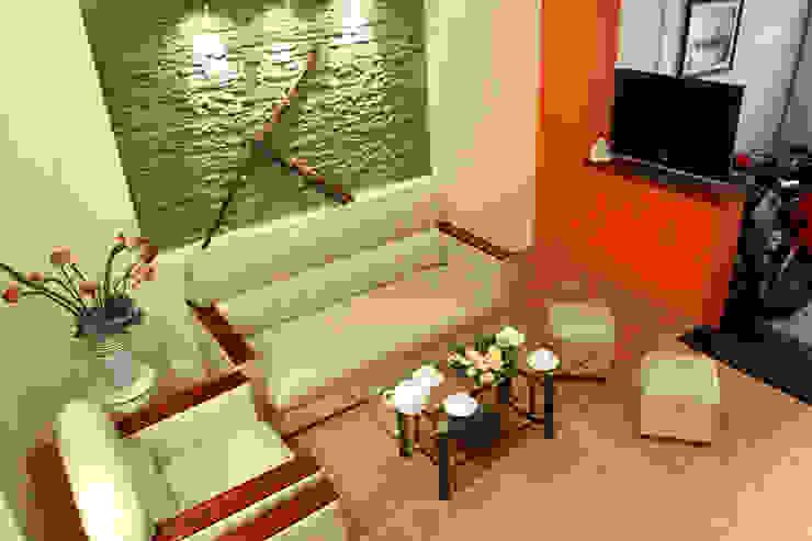 Không gian tầng 1: phòng khách – phòng bếp bởi Công ty TNHH Xây Dựng TM – DV Song Phát Hiện đại