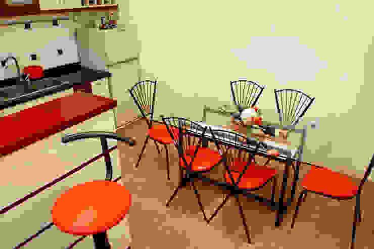 Không gian tầng 1: phòng khách – phòng bếp Phòng ăn phong cách hiện đại bởi Công ty TNHH Xây Dựng TM – DV Song Phát Hiện đại
