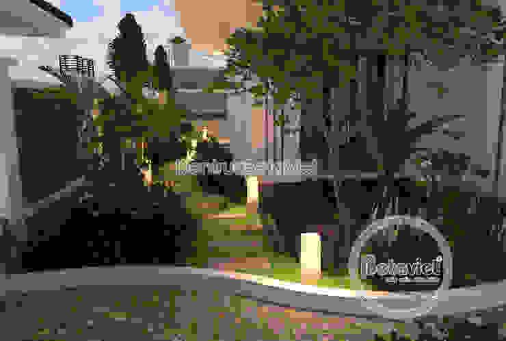 Phối cảnh sân vườn Mẫu biệt thự hiện đại 2 tầng KT16140. bởi Công Ty CP Kiến Trúc và Xây Dựng Betaviet