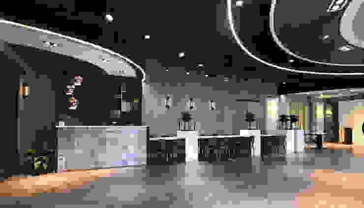 Sala da pranzo in stile industriale di 見和空間設計 Industrial