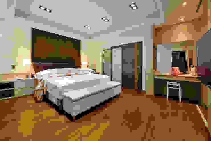 Modern style bedroom by 築室室內設計 Modern