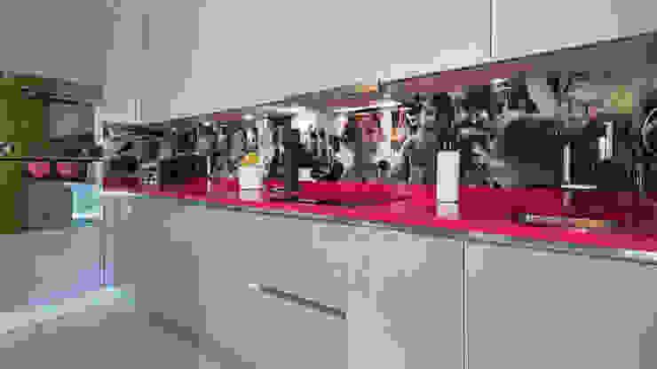 St. Germain | Kitchen GD Arredamenti Built-in kitchens MDF Multicolored