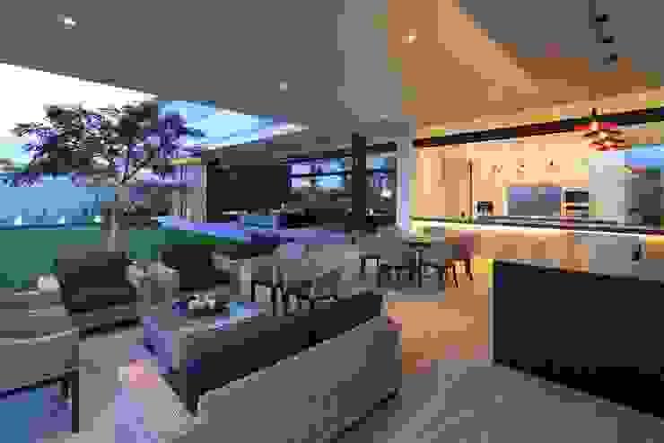 BR HOUSE by Hernandez Silva Arquitectos Modern
