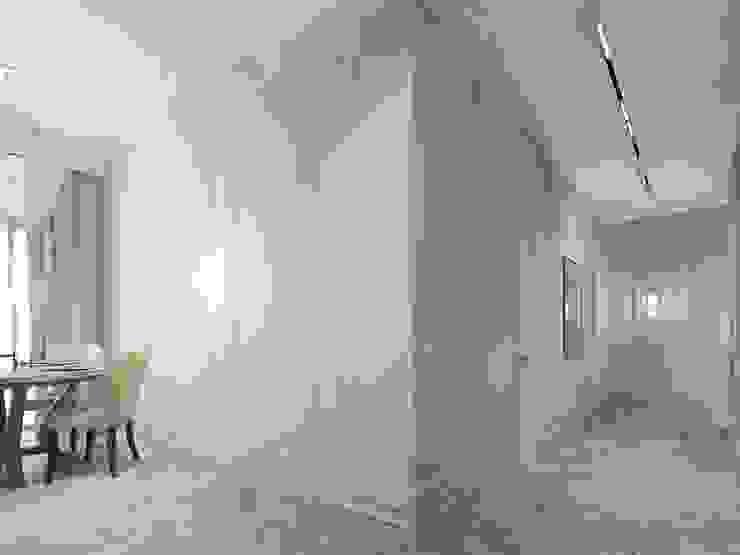 Klassischer Flur, Diele & Treppenhaus von Y.F.architects Klassisch
