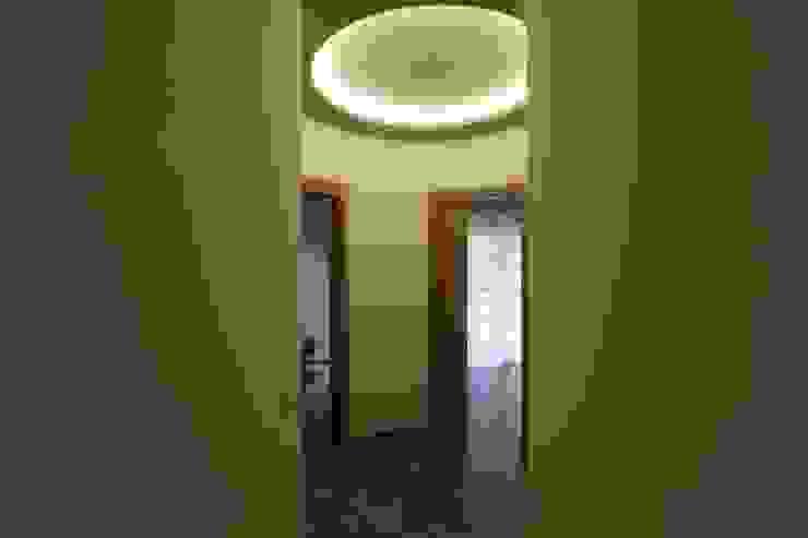 ISPIRAZIONI SCANDINAVE Studio di Progettazione e Design 'ARCHITÈ' Ingresso, Corridoio & Scale in stile scandinavo