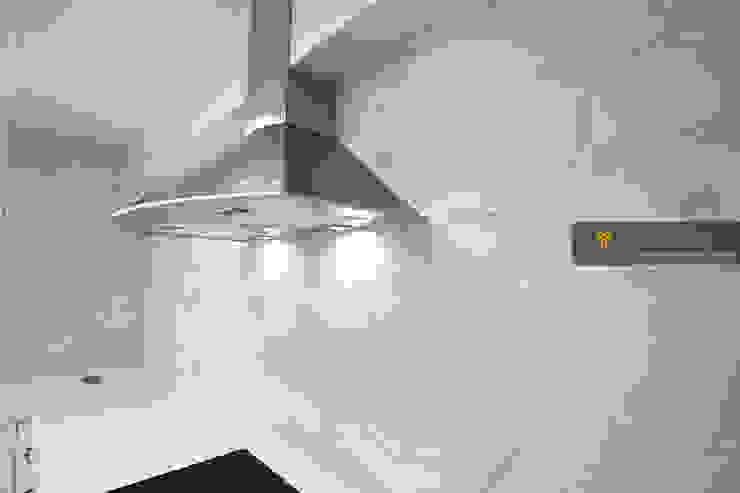 얀코인테리어 Кухня