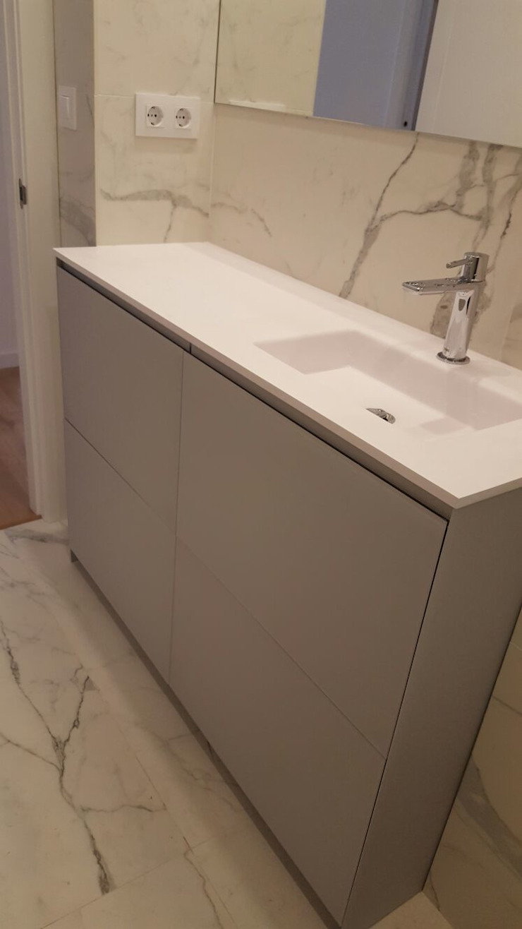 CARE MOBILIARIO MADRID,S.L. BathroomStorage زجاج Beige