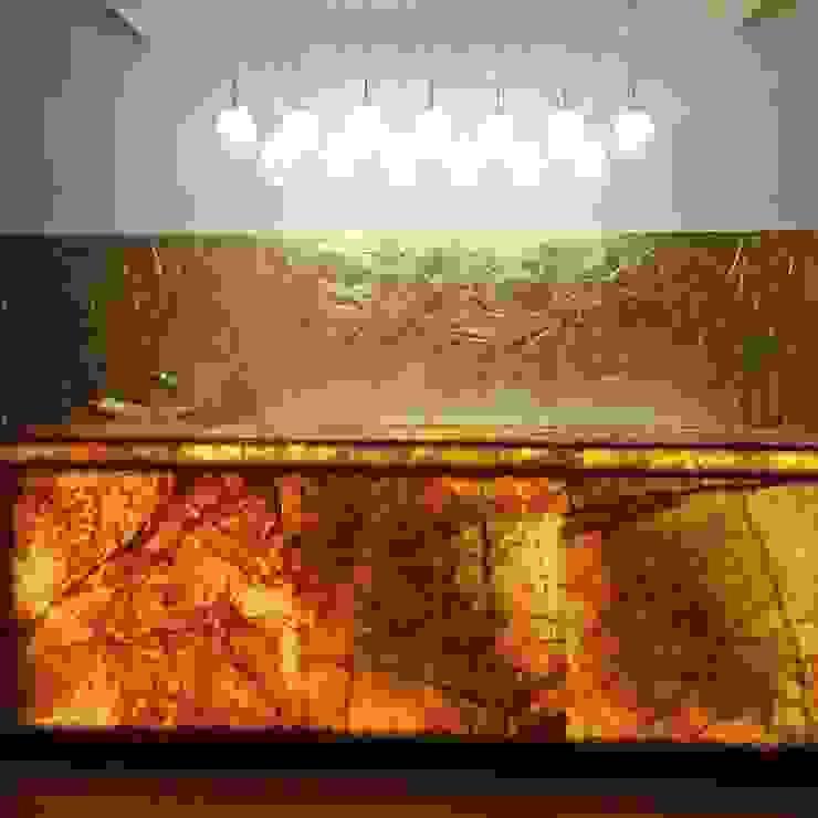 Bar table: mediterranean  by sapphire studio, Mediterranean Marble