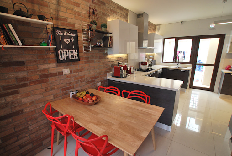 Built-in kitchens by Selica, Eclectic