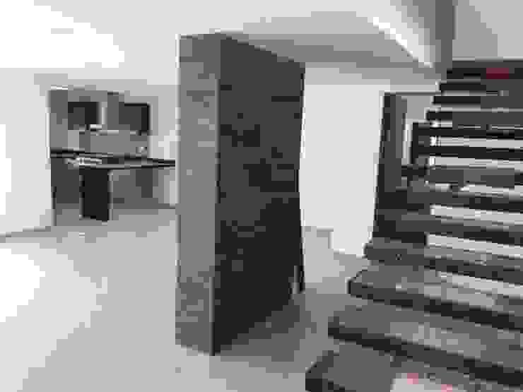 JLSG Arquitecto Tangga