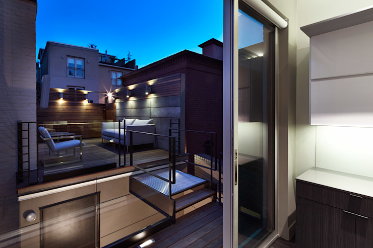 Modern style balcony, porch & terrace by KUBE Architecture Modern