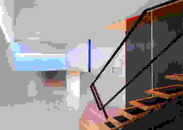 Warren Street Modern Media Room by KUBE architecture Modern