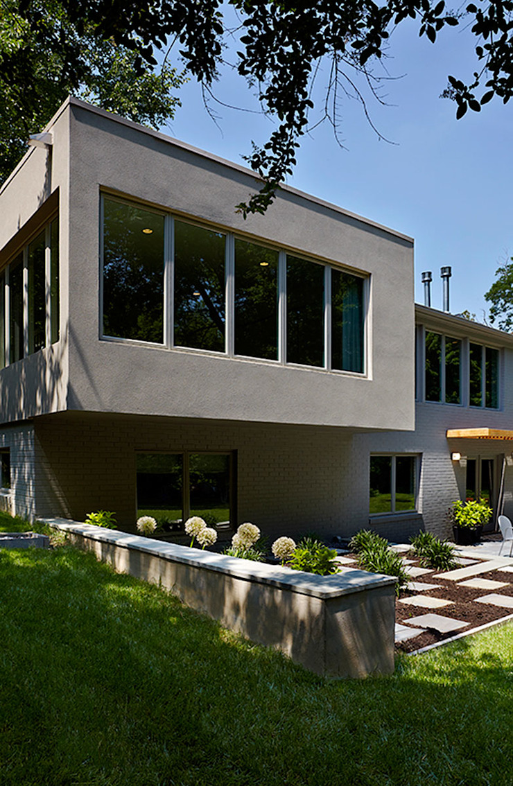 East Jefferson Modern Houses by KUBE architecture Modern