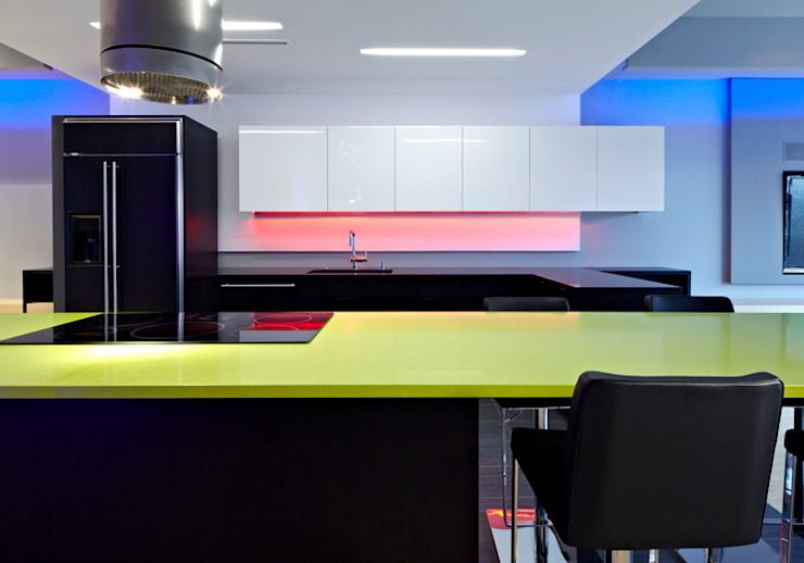 Klub Kitchen—Lenny's Place Modern Kitchen by KUBE architecture Modern