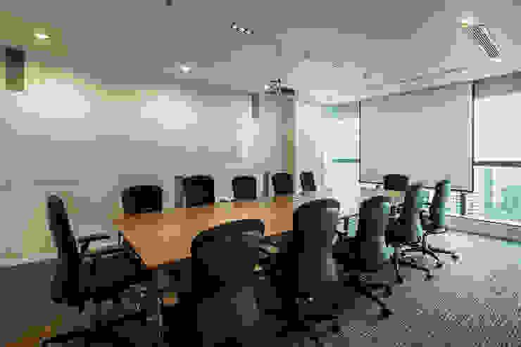 Large Meeting Room Bangunan Kantor Modern Oleh Asa Adiguna, PT Modern
