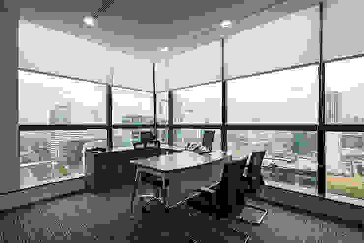 Director Room Bangunan Kantor Modern Oleh Asa Adiguna, PT Modern