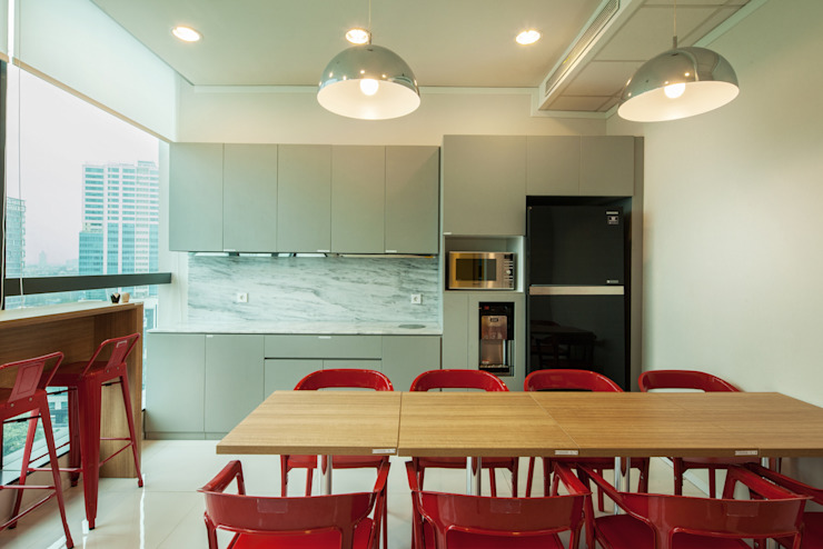Dry Pantry Area Bangunan Kantor Modern Oleh Asa Adiguna, PT Modern