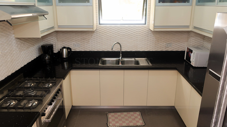 Black Sapphire Quartz Kitchen Countertop at Robinsons Highlands by Stone Depot Modern