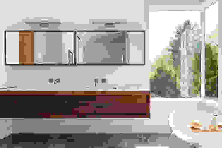 Seaview | Bathroom GD Arredamenti Bagno in stile mediterraneo Legno massello Marrone