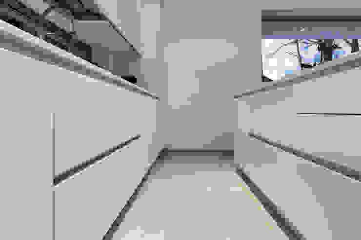 Casa PA Cucina moderna di Elia Falaschi Fotografo Moderno